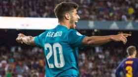 Asensio celebra su gol en el Camp Nou. Foto Twitter (@marcoasensio10)