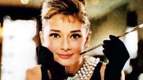 La historia que tejió el vestido de Audrey Hepburn en 'Desayuno con Diamantes'