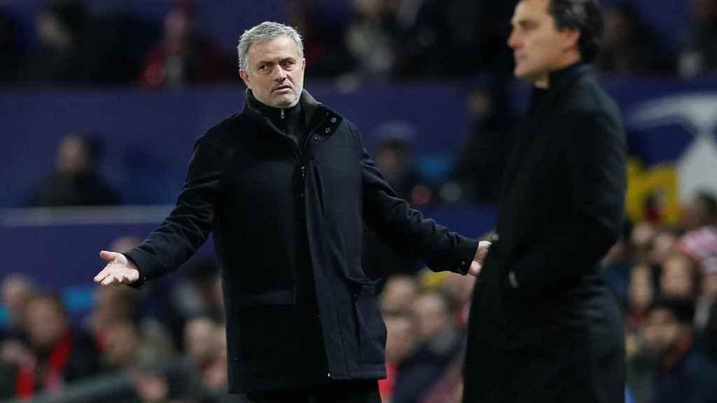Mourinho, alicaído, ante Montella.