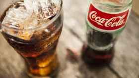 Con la colaboración de Coca-Cola.