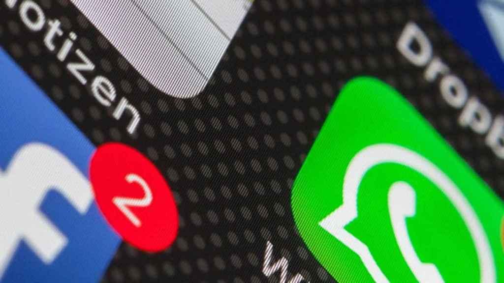 Estados Unidos pide a Facebook que se deshaga de WhatsApp.