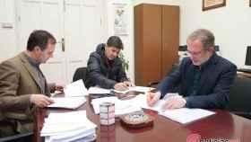 saravia firma contrato obras 1