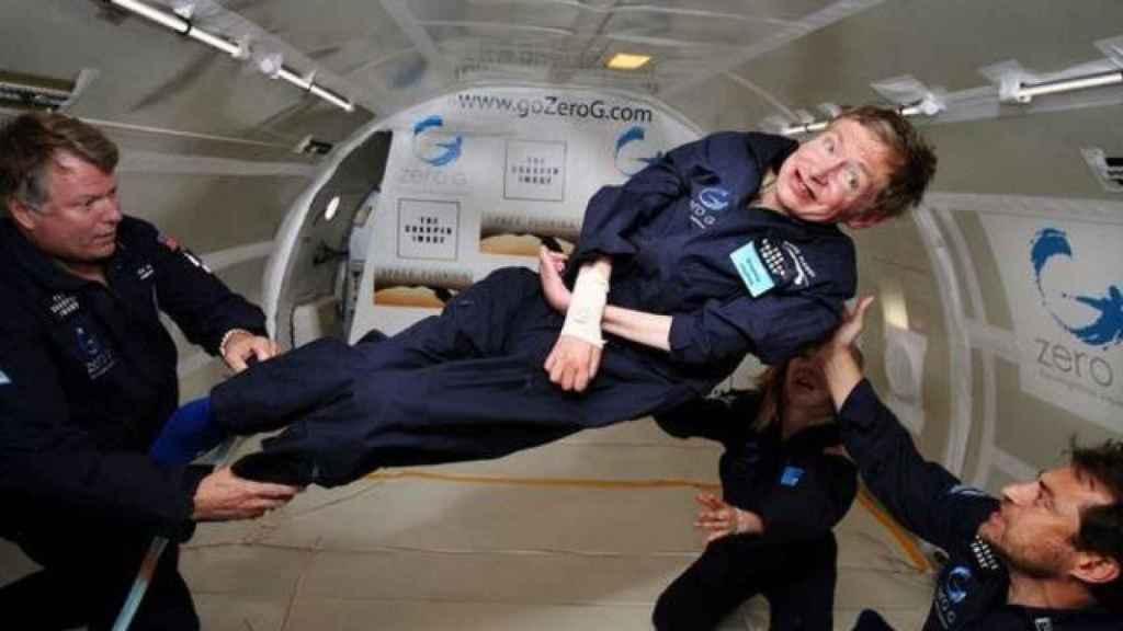 En 2007 Stephen Hawking cumplió su sueño de experimentar la gravedad cero gracias al empresario Peter Diamandis.