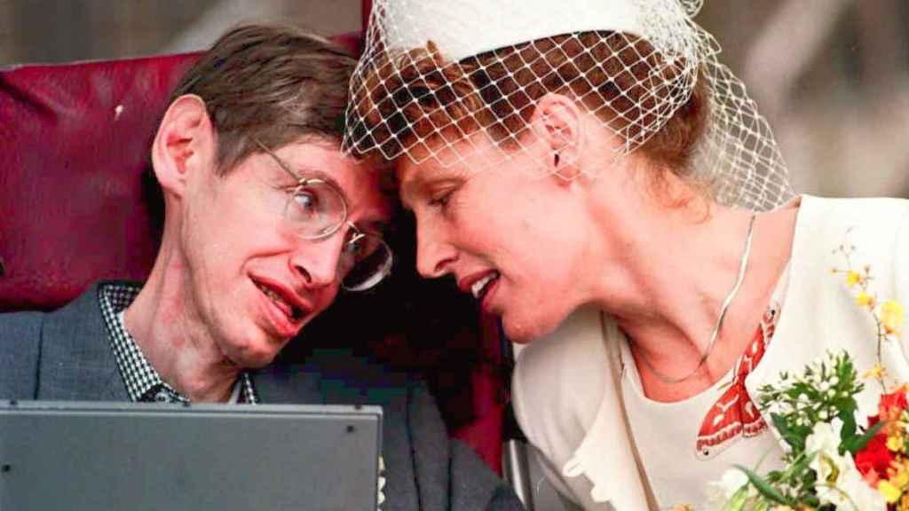 Stephen Hawking y Elaine Manson después de casarse. GTRES.