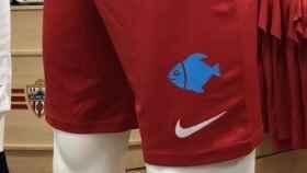 El pantalón, con el pescaíto, que lucirá esta temporada el Almería.