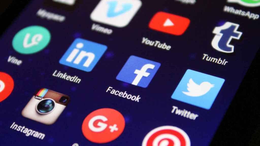 Ser muy negativos e inestable nos hace más proclives a desarrollar adicción a las redes sociales .