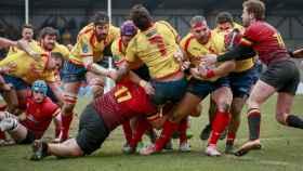 Los jugadores de la selección española de rugby en el partido ante Bélgica.