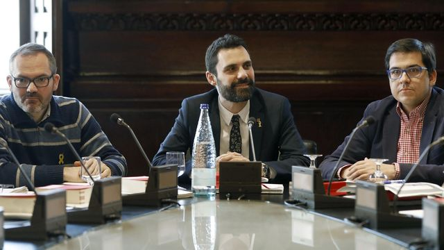 Torrent presidiendo la Junta de portavoces del Parlament