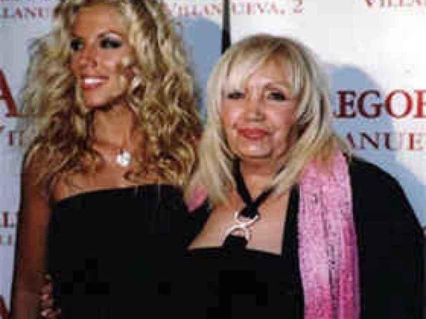 Rebeca y su madre, Franciska.