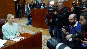 Cifuentes, durante el pleno de la Asamblea de Madrid de este jueves.