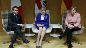 May se ha reunido con Macron y Merkel durante la cumbre de la UE en Bruselas