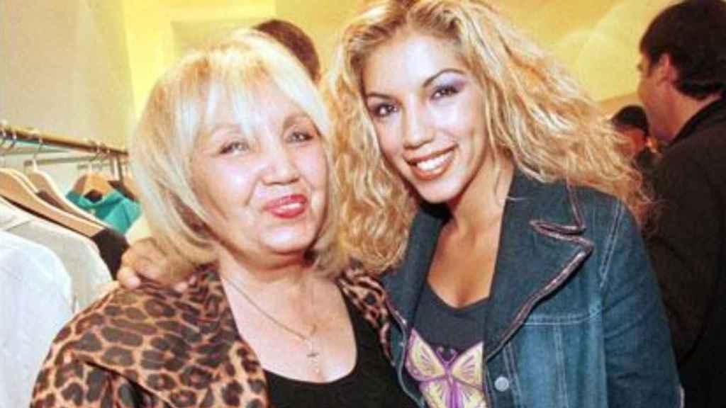 Rebeca Pous junto a su madre, Franciska.