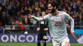 Isco celebra un gol con España.