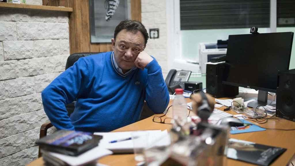 José Antonio Abellán en su despacho durante la entrevista.