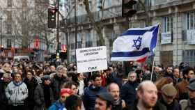 Manifestación en París por el brutal asesinato de una anciana judía.