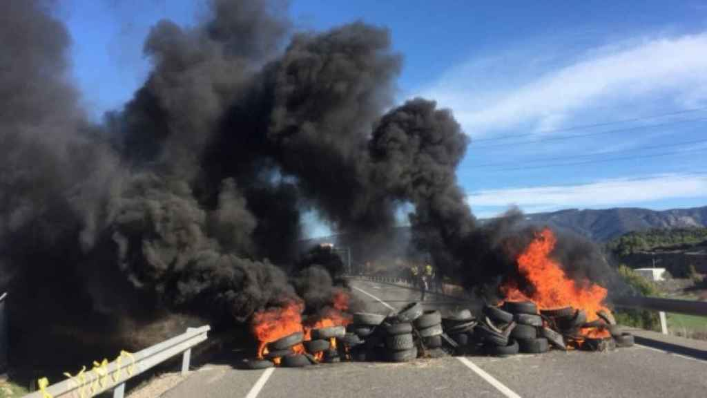 Una foto de los cortes en la carretera N-240 este miércoles