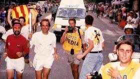 Serrat corrió con la antorcha olímpica para Barcelona 92.