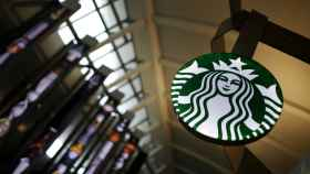Imagen de una tienda de Starbucks.