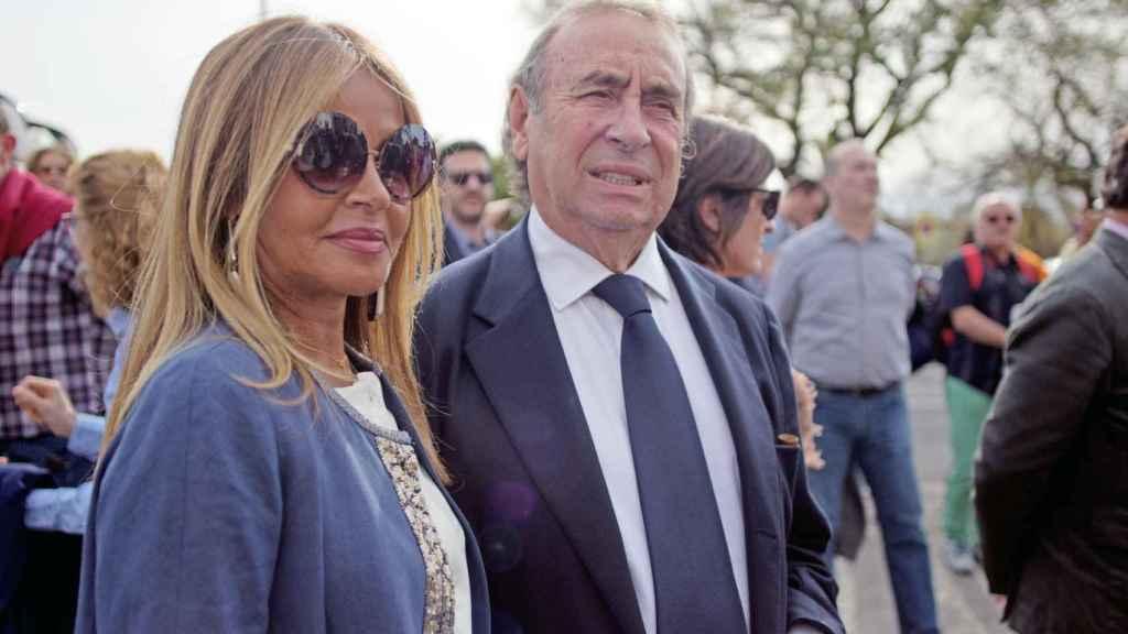 Pedro Trapote, en un evento de 2018, junto a su mujer, Begoña García Vaquero.