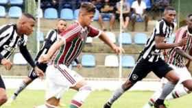 Wisney, jugador del filial del Fluminense, ante el Botafogo. Foto: Instagram (@wiisneeyy)