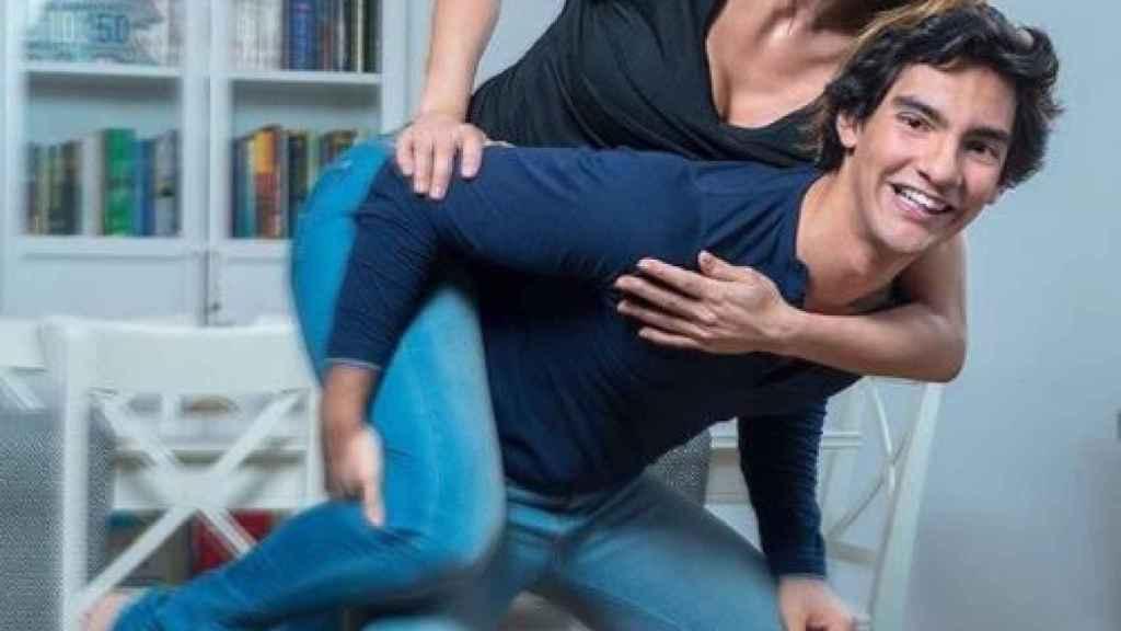 Ivonne Reyes y su hijo, Alejandro.