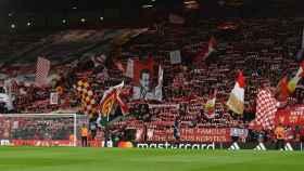 Fondo de Anfield. Foto: Twitter (@LFC).