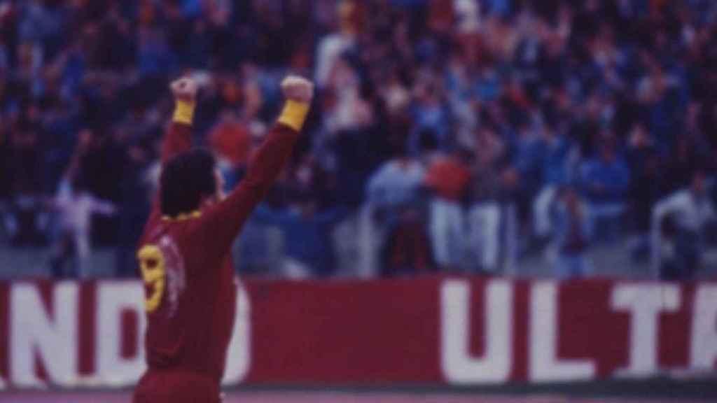Roberto Pruzzo en su época de jugador de la Roma. Foto: Twitter (@officialasroma)