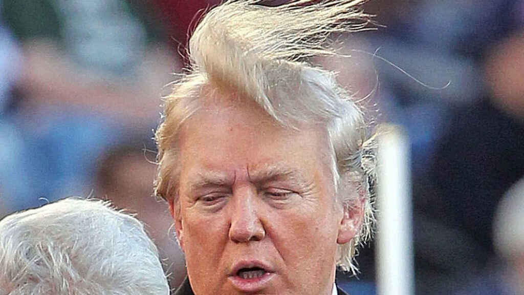 Donald Trump, en guerra contra su propio pelo