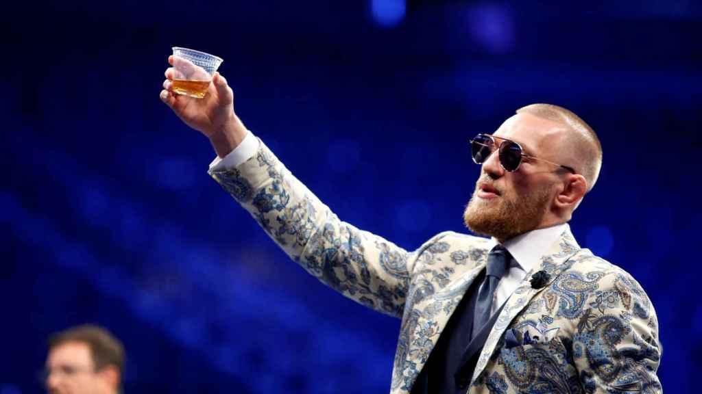 Conor McGregor se volvió loco horas después de perder su título de la UFC.