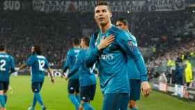 Cristiano Ronaldo agradece los aplausos del Juventus Stadium tras su chilena