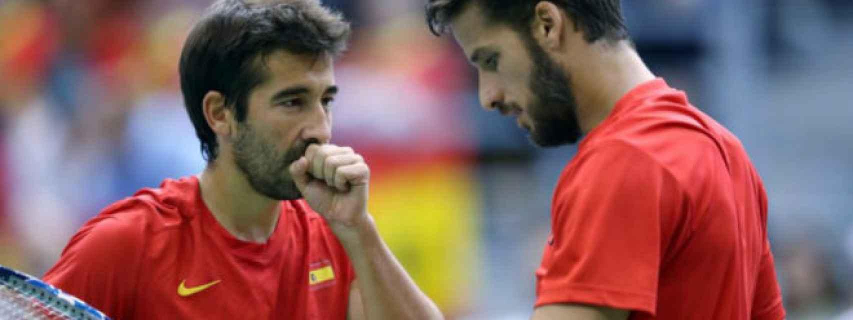 Feliciano López y Marc López, en un partido con España de Copa Davis.