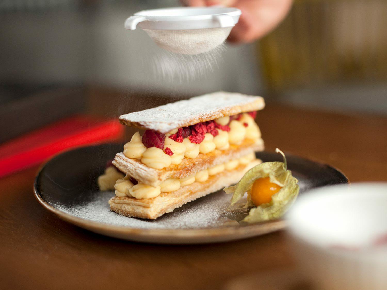 Restaurante Alameda - milhojas de crema y frambuesa