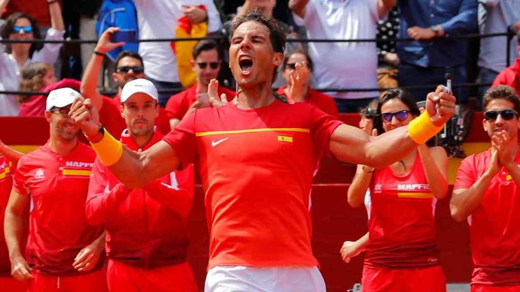 Rafa Nadal celebra su victoria este domingo con España en Copa Davis.