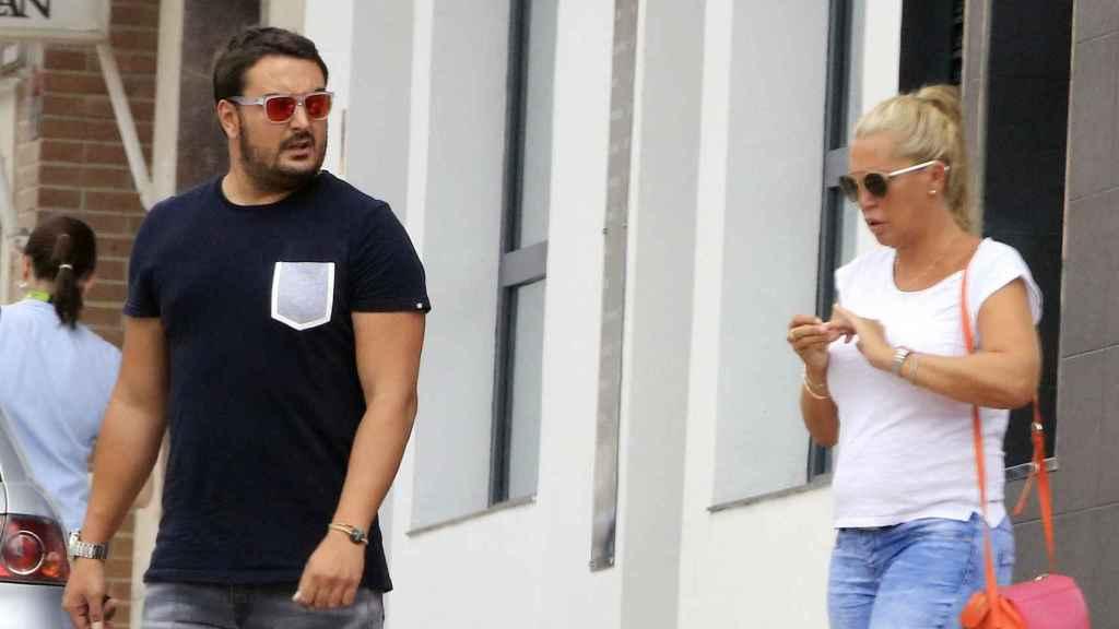 Belén Esteban junto a su pareja, Miguel.