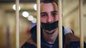 Imagen del videoclip Los Borbones son unos ladrones.
