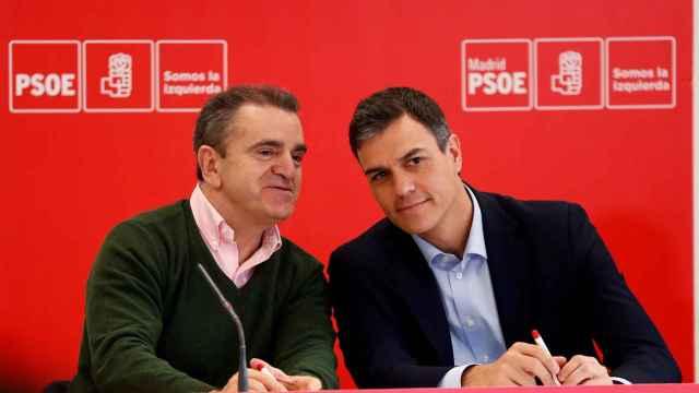 José Manuel Franco, junto a Pedro Sánchez este lunes en Coslada (Madrid).