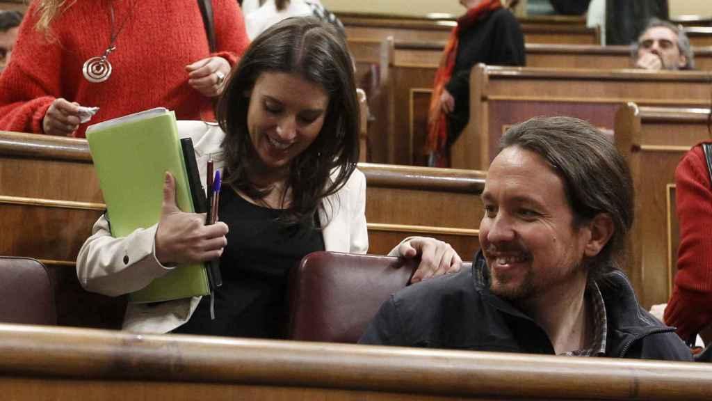 Pablo Iglesias e Irene Montero, futuros padres sonrientes