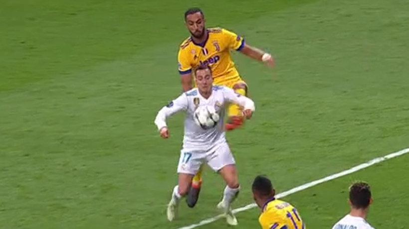 Penalti sobre Lucas Vázquez