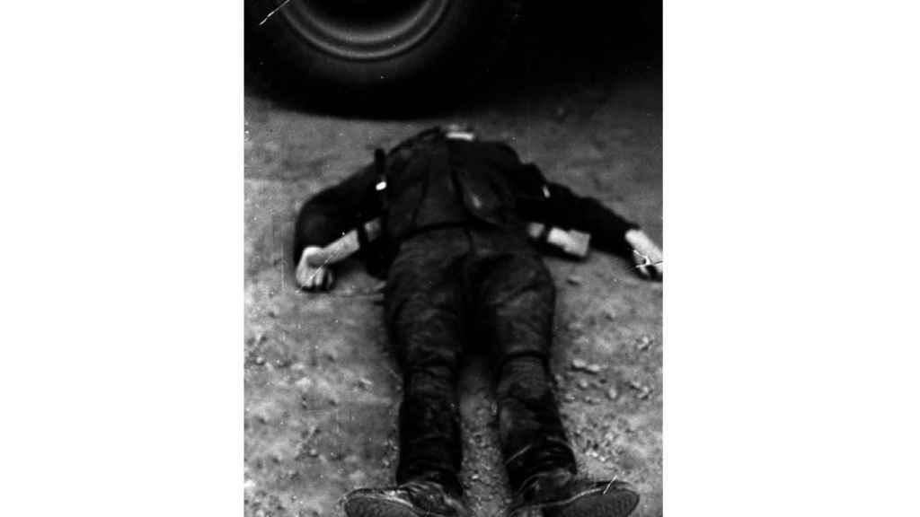 El guardia civil Pardines, muerto en el suceso de Villabona. Fotografía incluida en el proyecto `Historia de un desafío´(Editorial Península).