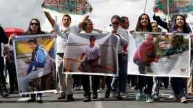 Una manifestación por la liberación de los periodistas secuestrados.