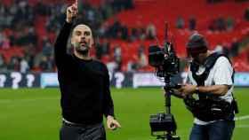 Pep Guardiola celebra la victoria contra el Tottenham.