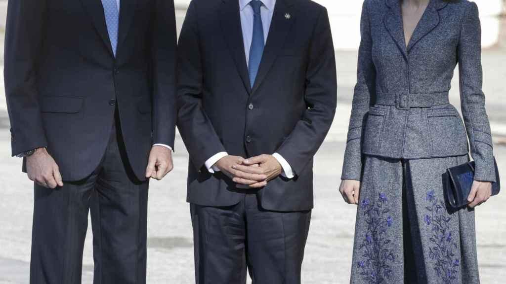 El presidente junto a los reyes.