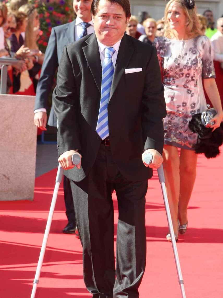 Vicente Ruiz 'El Soro' con muletas.