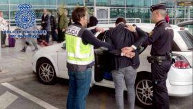 Imagen difundida por la Policía tras la detención de uno de los supuestos agresores.