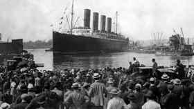 La salida del Titanic del puerto inglés de Southampton el 10 de abril de 1912.