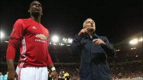 Mourinho y Pogba. Foto: manutd.com