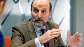 Fernández Sastrón, presidente de la SGAE, en su momento más crítico.