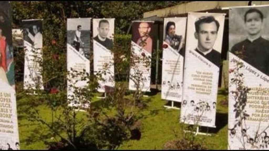 Homenaje a los muertos en la masacre de jesuitas en El Salvador.