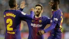 Los jugadores del Barcelona celebran un gol.