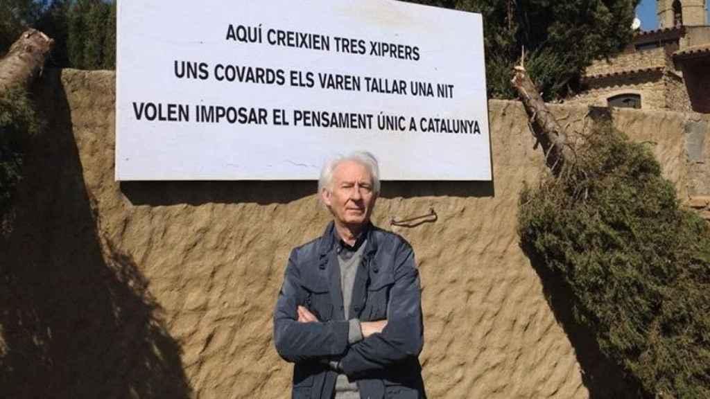 Los independentistas cortaron tres cipreses de casa de Albert Boadella